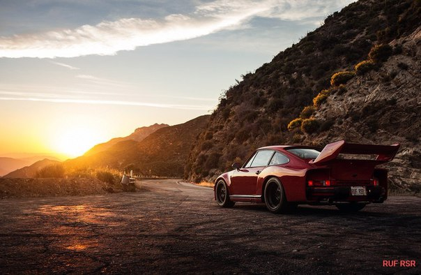 RUF RSR enjoying the view from Los Angeles